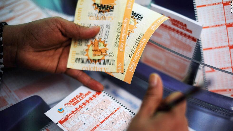 Как тратят деньги, выигранные в лотерею. реальные истории — мир новостей